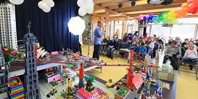Lego Schloss Ritterburg Lauchwood - grosses Festmahl - Koenigskind